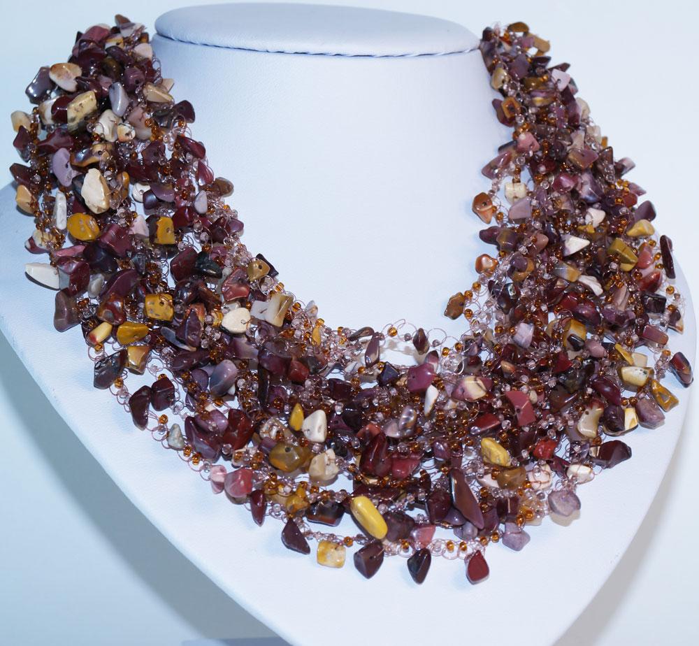 Фото украшение из камня яшма